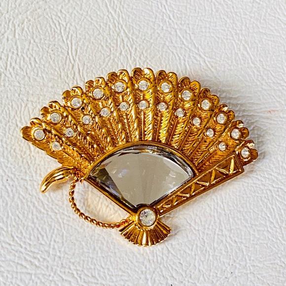 Swarovski Signed Crystal & Gold Fan Brooch Pin